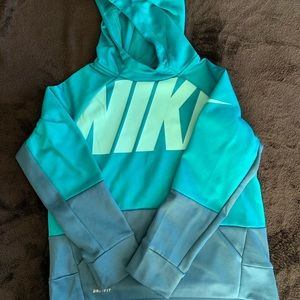 Nike Boys dry fit hoodie size M